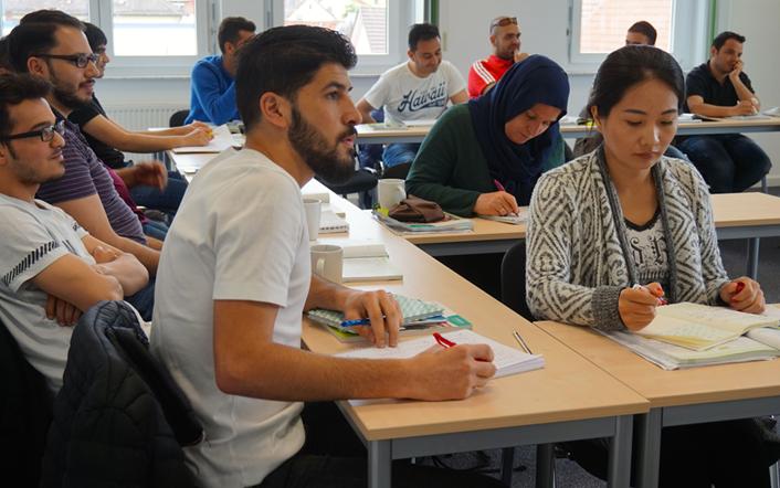 Anglokom-German-Integration-Course-Classroom-Photo-6