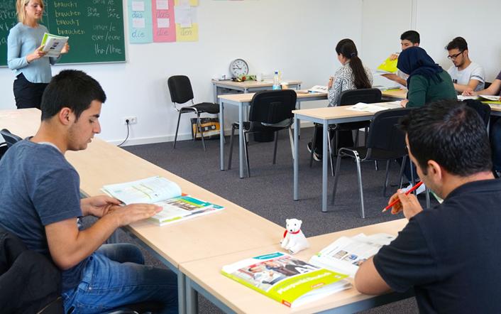 Anglokom-German-Integration-Course-Classroom-Photo-8